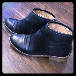 Urban outfitters poppy ankle booties